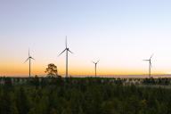 S-ryhmälle 27 tuulivoimalaa Simoon